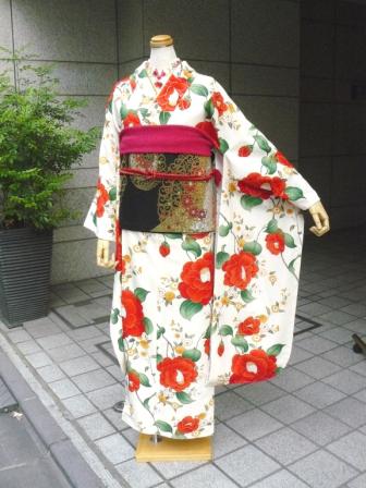 「きもの道楽」振袖 乙女椿・ベージュ  ¥71,400